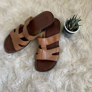 🌵Naturalizer 🌵 brown leather slides